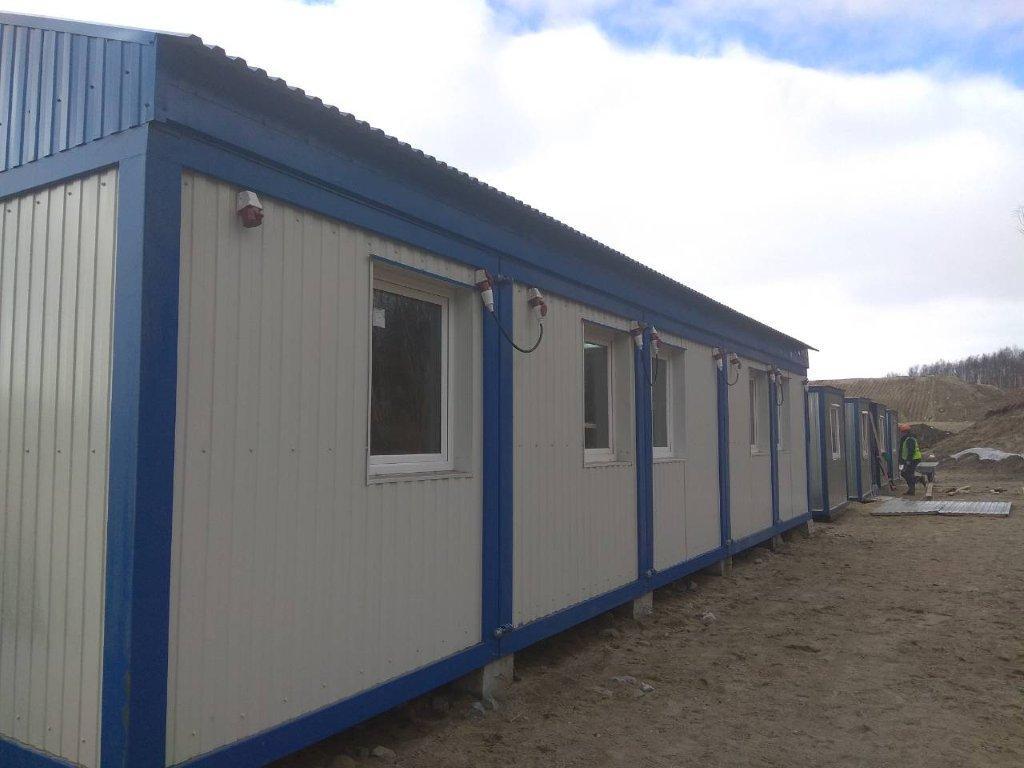 модульное здание из блок-контейнеров