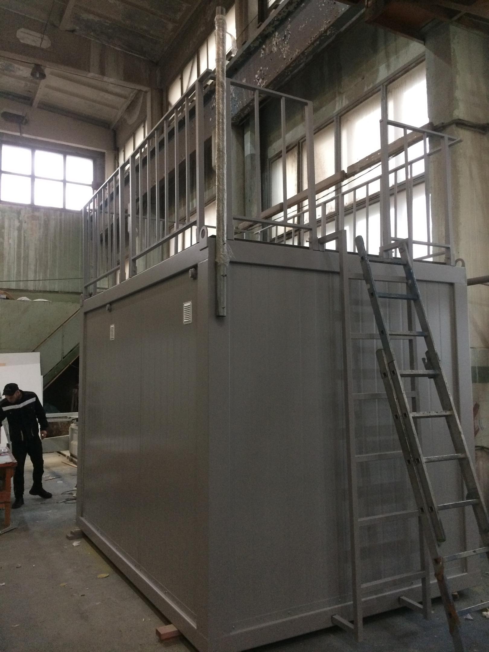 блок-контейнер с усиленной крышей